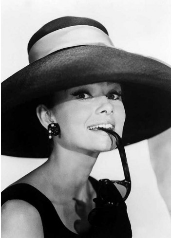 Audrey Hepburn Poster 007 (35x50)